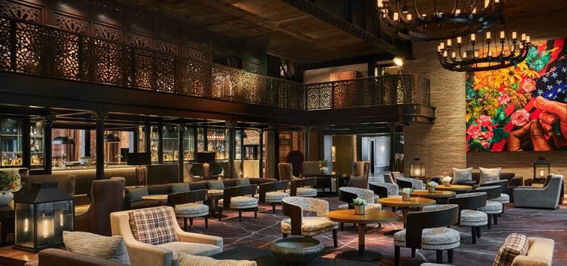 Lobby-bar-feature